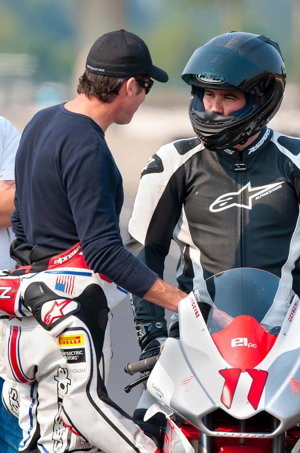 Ушел из жизни Майкл Сизз, талантливый конструктор и мотогонщик