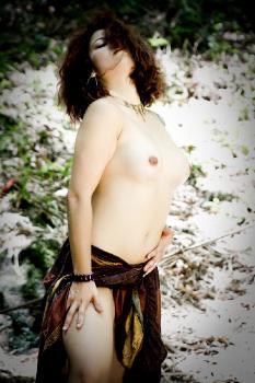 Naive - Auburn Nymph