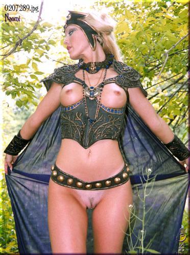 0658-Naomi-Fantasy Hero