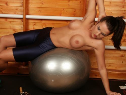 0836-Donna-Workout