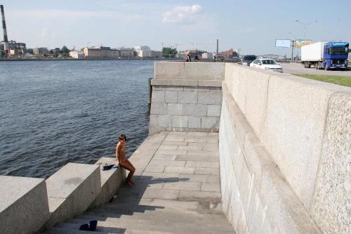 Exhibitionsim 04-09 - Anna S 3 - The Embankment of the Neva River 1800px