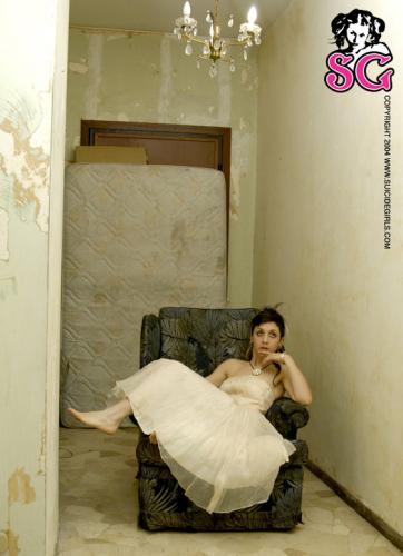 07-10 - Albertine - Antique Dress