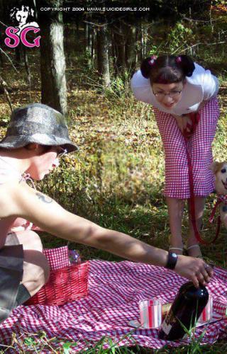 10-16 - Lorelei - Spring Picnic