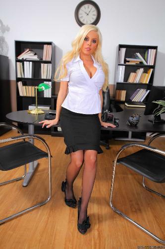 2010.06.24 Britney Amber (I.R