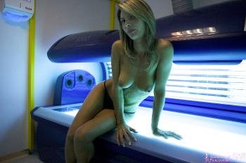 05 - Claire - UV Station (110) 4000px