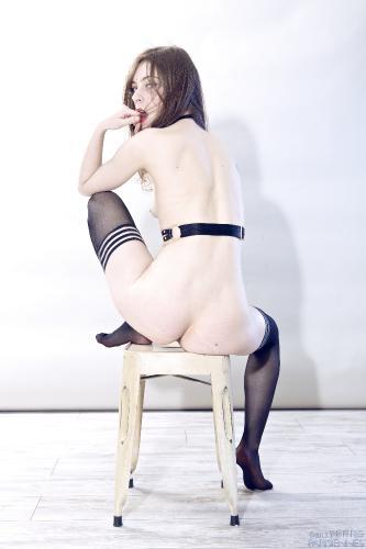 02 - Lou - Nude (61) 4000px