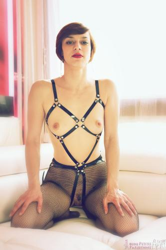 06 - Eliska Cross - Leather Harness (104) 4000px