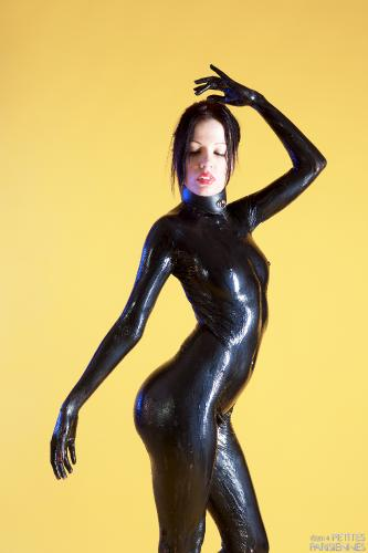 05 - Wendy - Latex Pet (63) 4000px