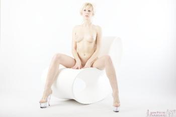 06 - Canelle - White Chair (62) 4000px