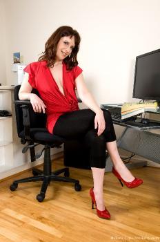 Helena_Office_superhr