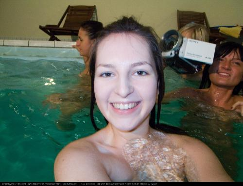 Soft Spa Underwater Girls