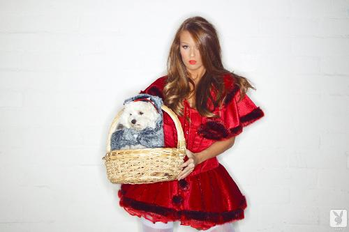leanna-decker-halloween-sexy-pics-2012-red-hot-riding-hood