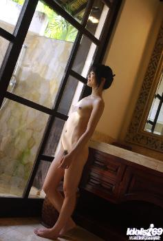 Saki Ninomiya - Saki Ninomiya Naughty Asian Model Shows Off Her Hot Body
