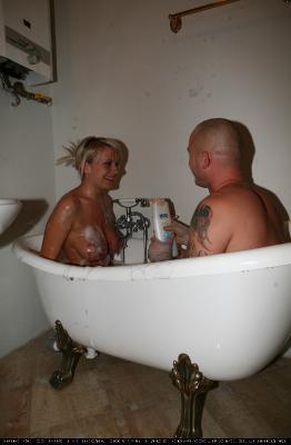 Bodypaint Bath Fun 1